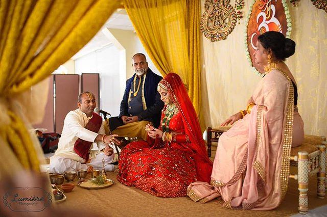 A beautiful ceremony within an elegant setting. . . . . . #lumierephotographyus#chicagoweddingphotographer#chicago#photography#indianbride#indianwedding#maharaniweddings#theknot#shaadi #desiwedding #chicagophotographer #portrait #weddinginspiration #editorial #bride #makeup #wedding #weddingphotographer #weddingphotography #southasian #southasianwedding #punjabi #punjabibride #punjabiwedding #weddingceremony