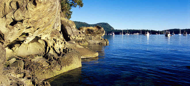 Galiano-Island-Montague-Harbour-DestinationBC-AdrianDorst-660x300.jpg