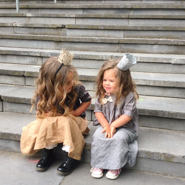 Giselle-Bella-chatting.jpg