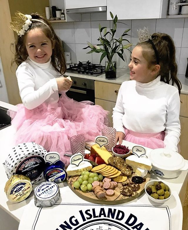 "A delicious cheese platter and pretending we are a Princess is how we will be watching the Royal Wedding, who could ask for more? 🤷🏽‍♀️ Well Bella did! She asked why aren't we going to the wedding? 🤷🏽‍♀️ I responded ""I think our invite got lost in the mail🙊 plus why have a Prince when you can have a King"". 😊 Gigi was super happy with that! Who would like to join us? 🤴🏼👸🧀 @kingislanddairy  #kingislanddairy #kingislanddairyplatter #royalwedding #entertaining"