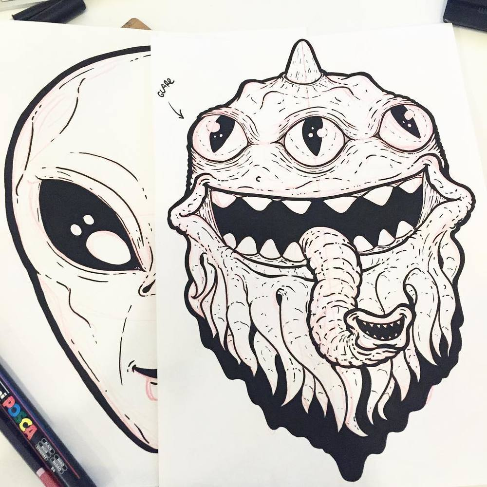 Working late on some space dudes ✌🏻👽 (at Deep Space 9)