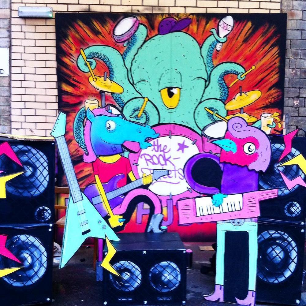 @penpusherslive  Presents the ROCKtuplets featuring: ROCKINhorse, ROCKINrobin, & ROCKtopus.  (at Tontine Lane)