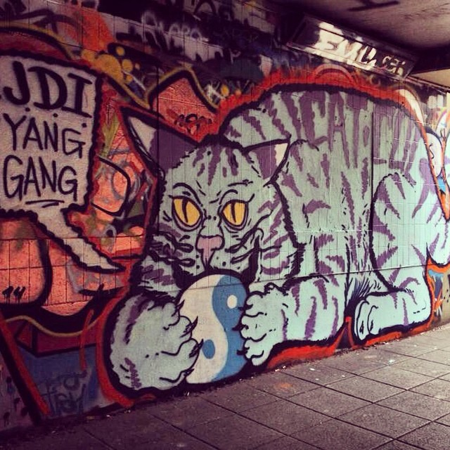 Saturdays were made for painting big dumb blue cats. #JDI #yanggang #catcult #supremepizzacats photo by @minedesignz 👍 (at Leake Street Tunnel)