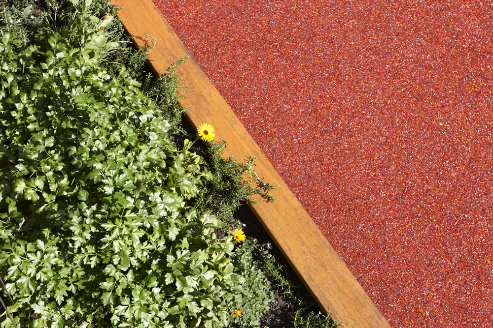- Permeable or porous paving combined with garden beds help to capture, slow and filter stormwater so it can be put to better use than pouring into our watercourses.