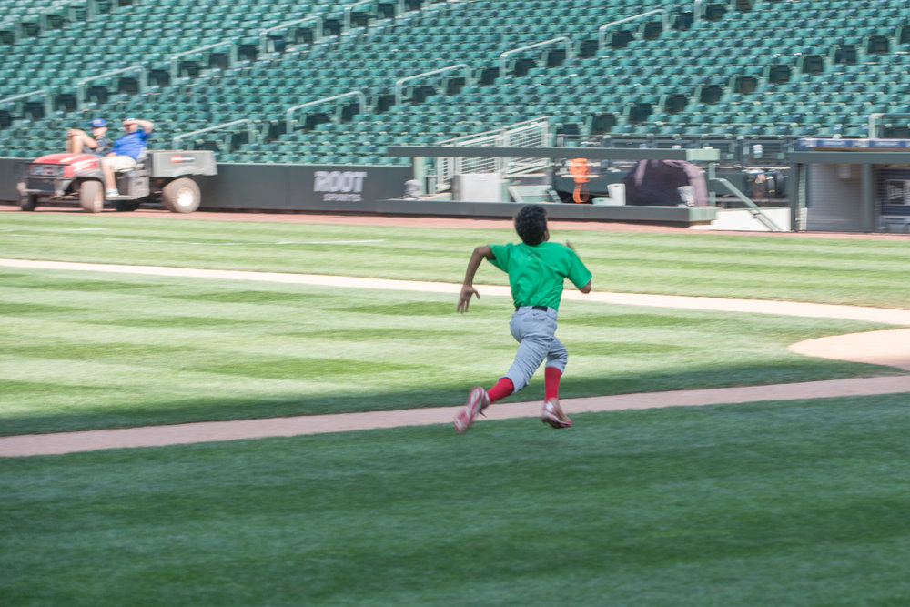 davonn hit pitch run-4.jpg