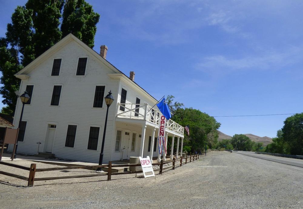 Bucklandin asema jossa ratsastajat pääsivät levähtämään, ja jonne postia kuljetettiin