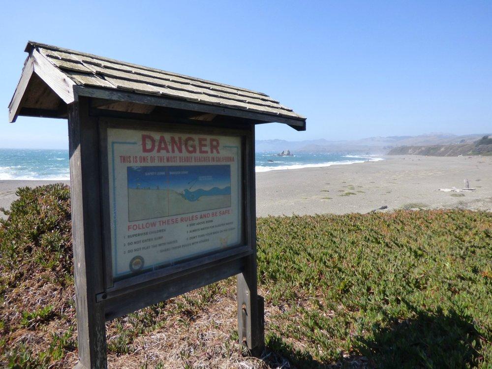 Niin kaunis mutta petollinen; yksi Kalifornian vaarallisimmista rannoista koska aallokko ja merivirtaukset ovat todella kovia.