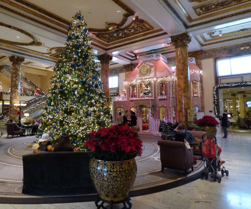Giant Gingerbread house in Fairmont Hotel