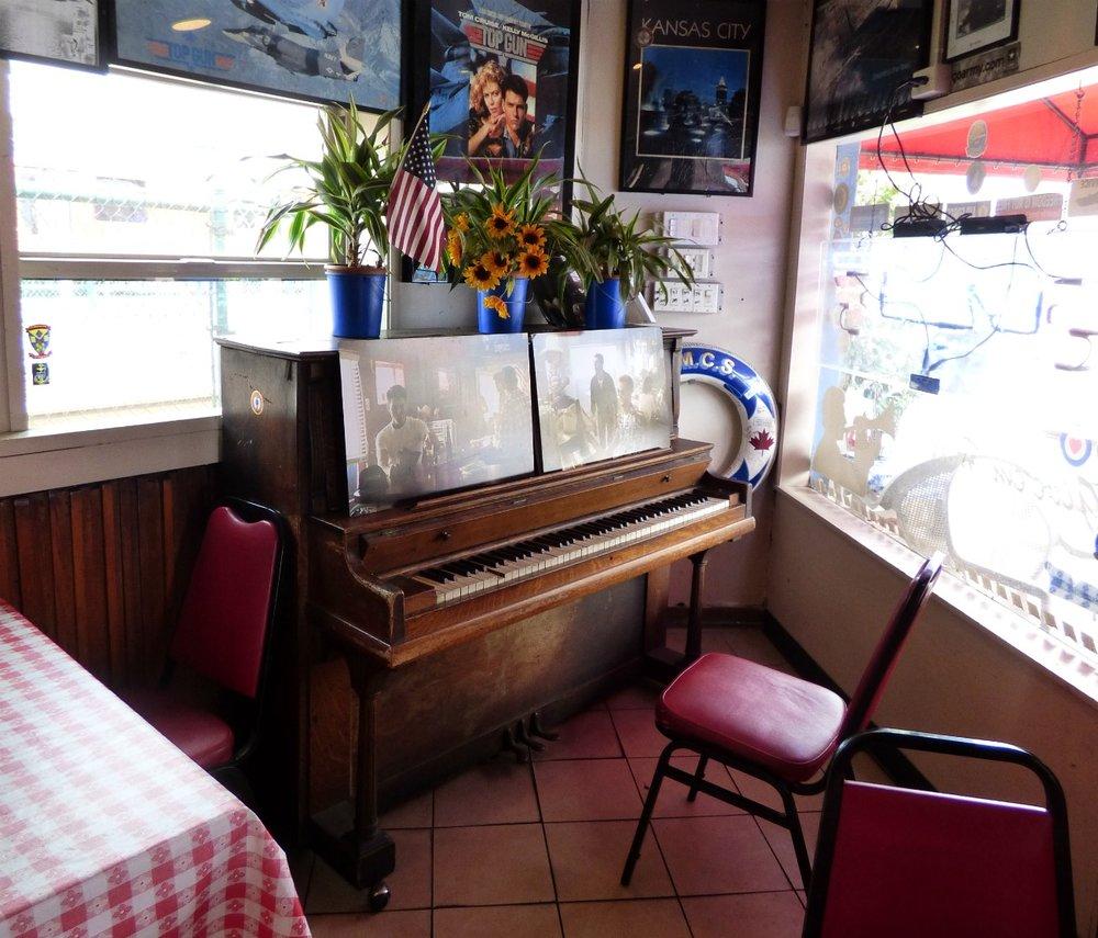 """Ja sitten """"se"""" kuuluisa piano."""