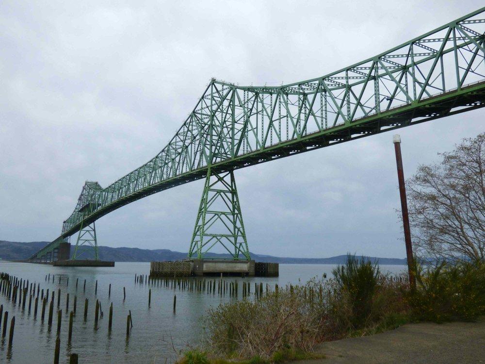 Astoria-Megler Bridge. Näitä erilaisia siltoja Columbia joen yli tuntui riittävän.