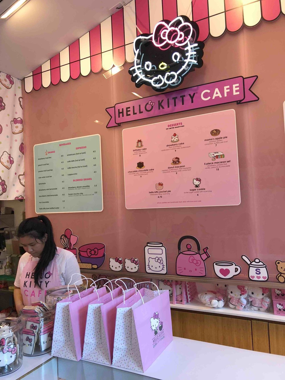 hello_kitty_cafe.jpg