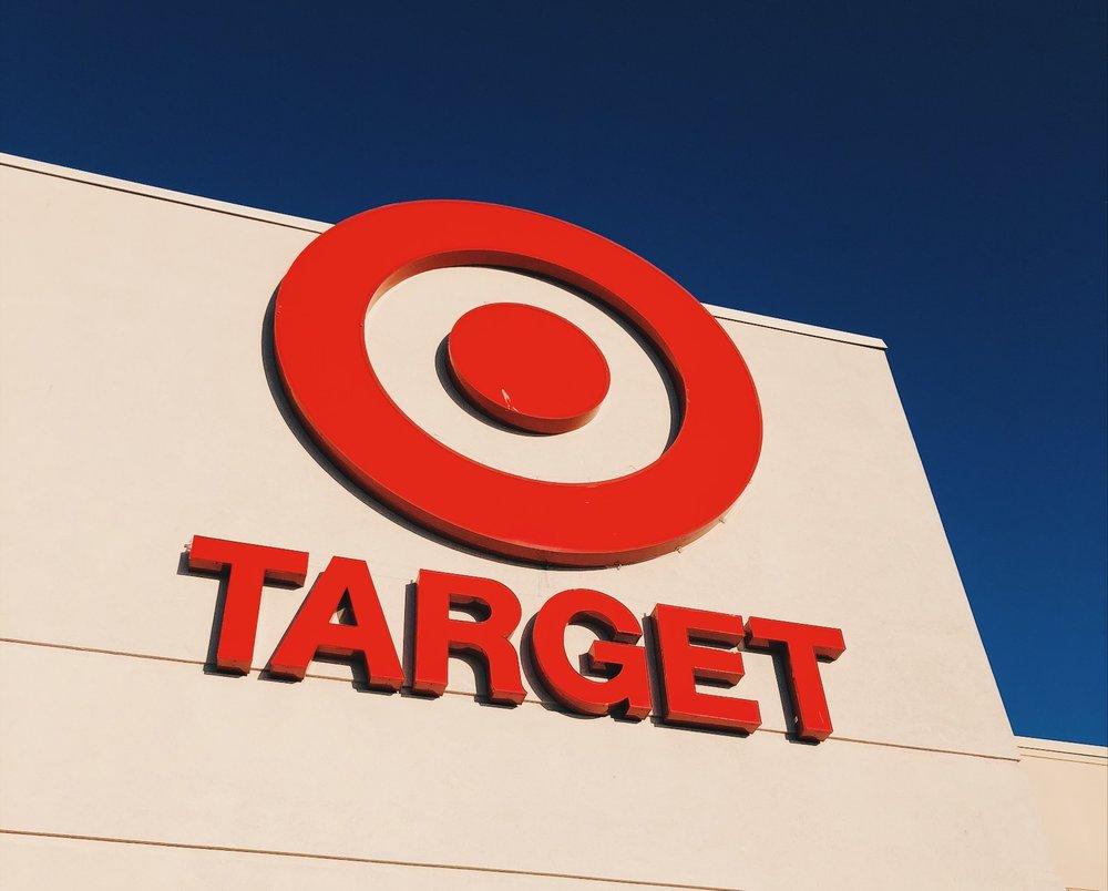 """Kerran tyttäreni sanoi minulle, että haluaa mennä sinne """"Red Circle -kauppaan"""". Pari viikkoa asiaa mietittyäni lopulta välähti: Red Circle = Target."""