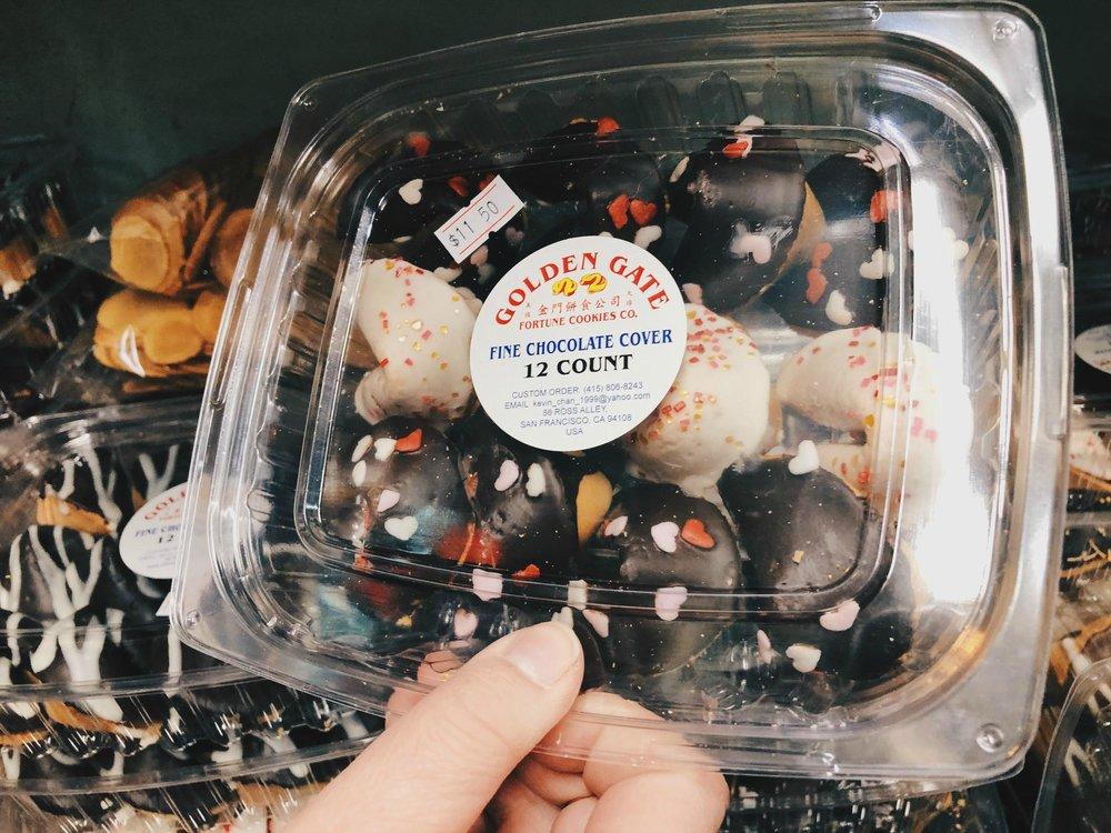 fortune_cookies_chocolate.jpg