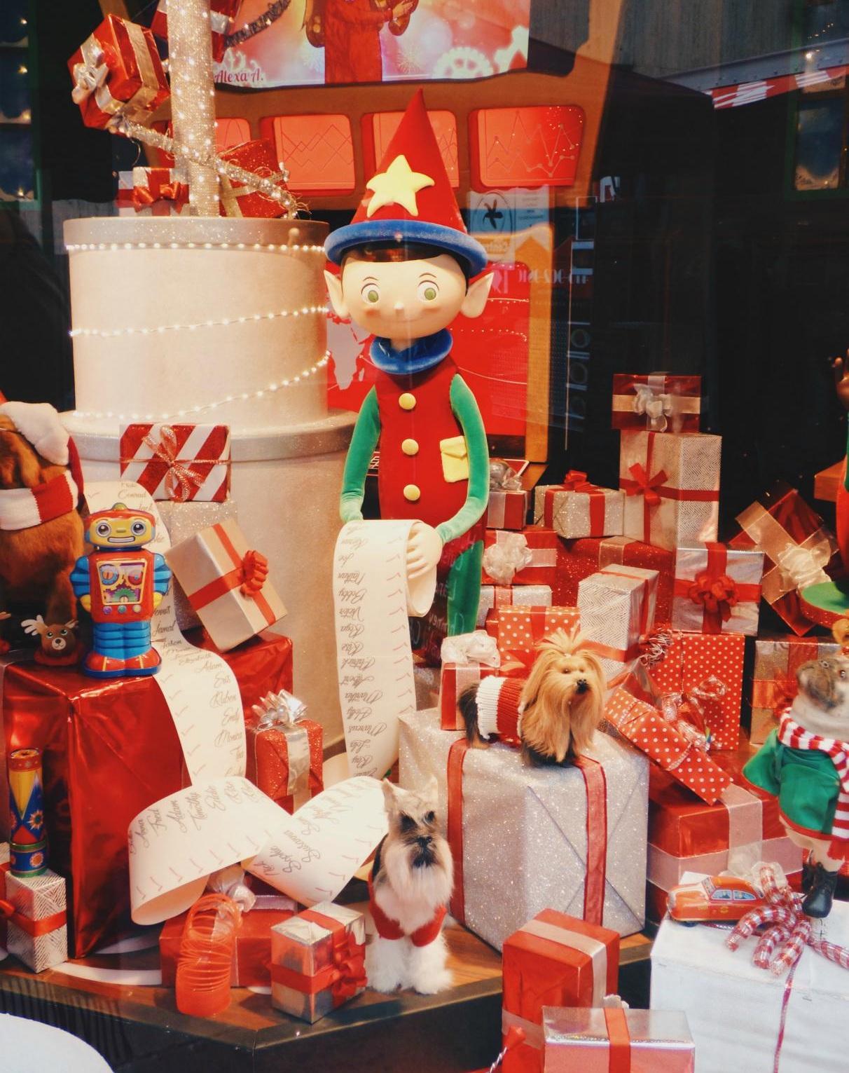 Best Christmas Gift Ideas For Travelers 2019 Paula Gaston