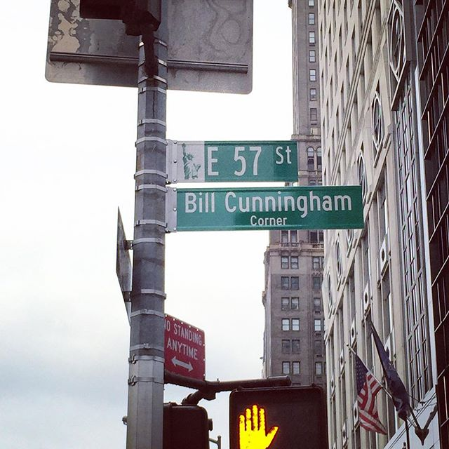 Do you have an 👁 👀 for fashion?  Reminiscing the late great Bill Cunningham whose visual diaries captured the spirit of fashion and what it means to celebrate individual style in his beloved city #NYC 📸💃🏻👗👠🦄🌈🌇🌃💗