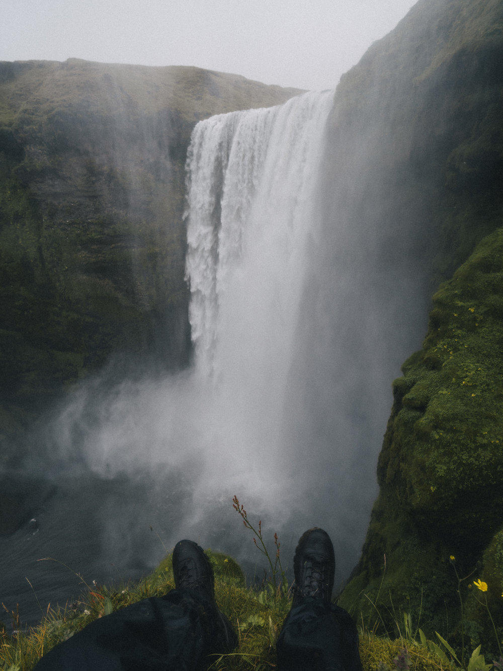 Iceland_skogafossFEET_2.jpg