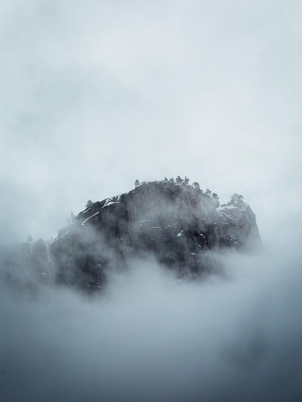 Yosemite_Fog.jpg