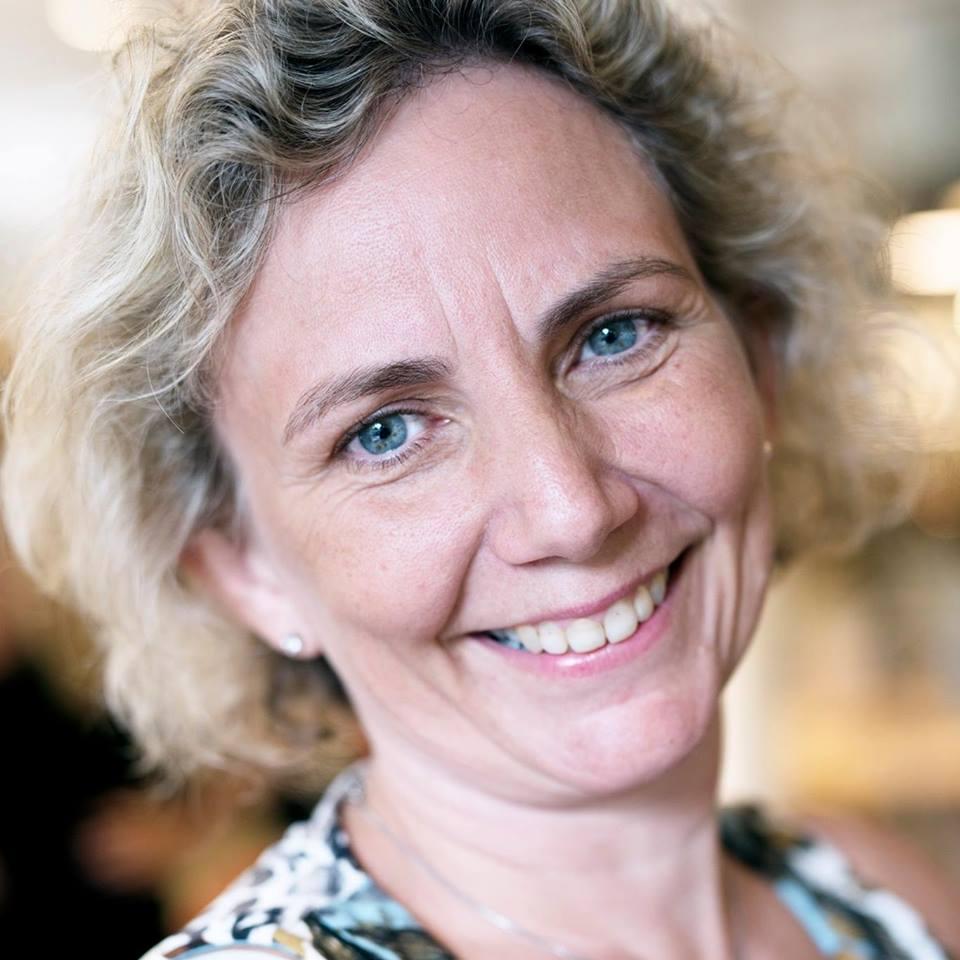 Brit Karin Østbø - Økonomiansvarlig   Regnskap og fakturering   455 07 174   51 97 99 98   britkarin@renseriet.as