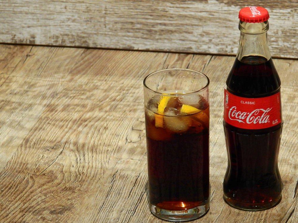 coca-cola-2099000_1920.jpg