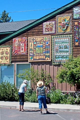 Sisters' Outdoor Quilt Show, Oregon. Photo by Ginger Sanders | Dreamstime