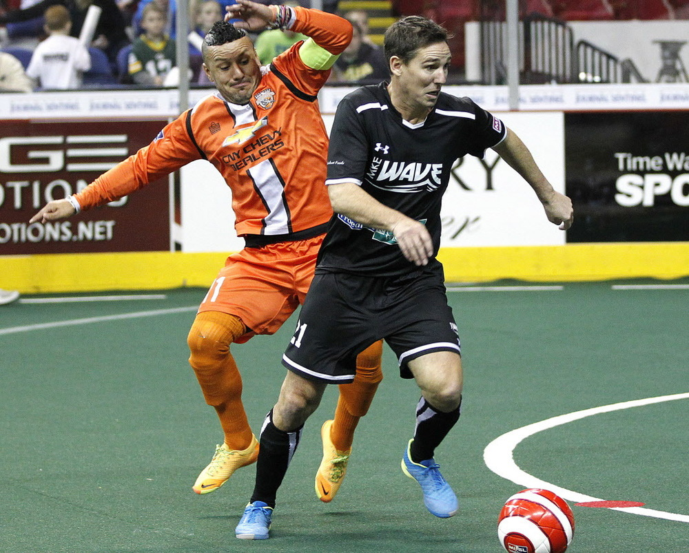 The Syracuse Silver Knights battle the Milwaukee Wave, photo by Gary Porter