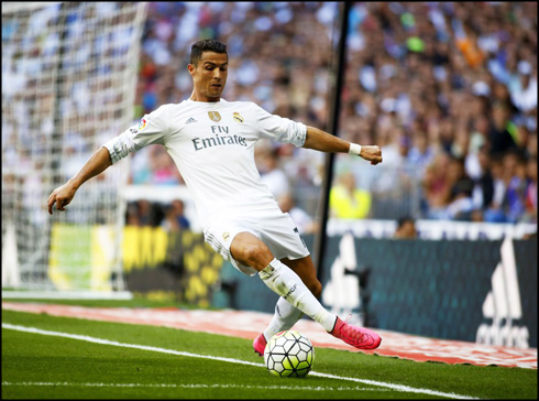 CR7 with his pink boots of last season source cr7.com