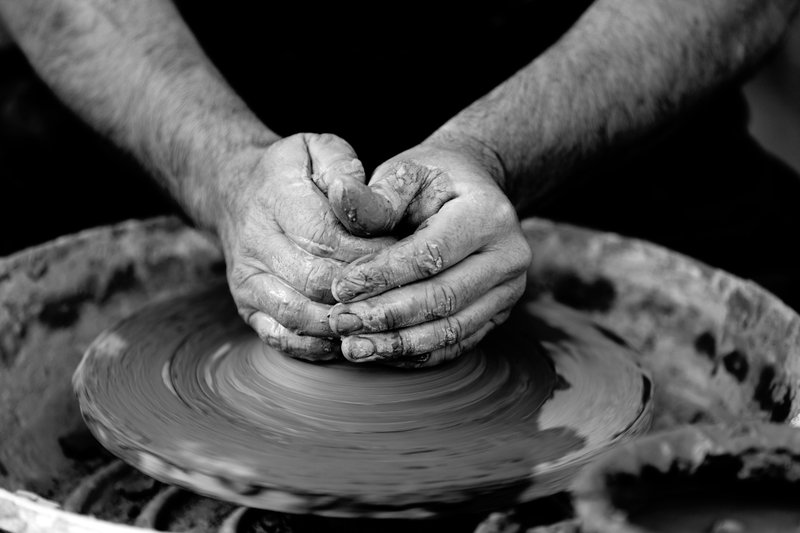 hands-working-clay-making-pottery_800.jpg