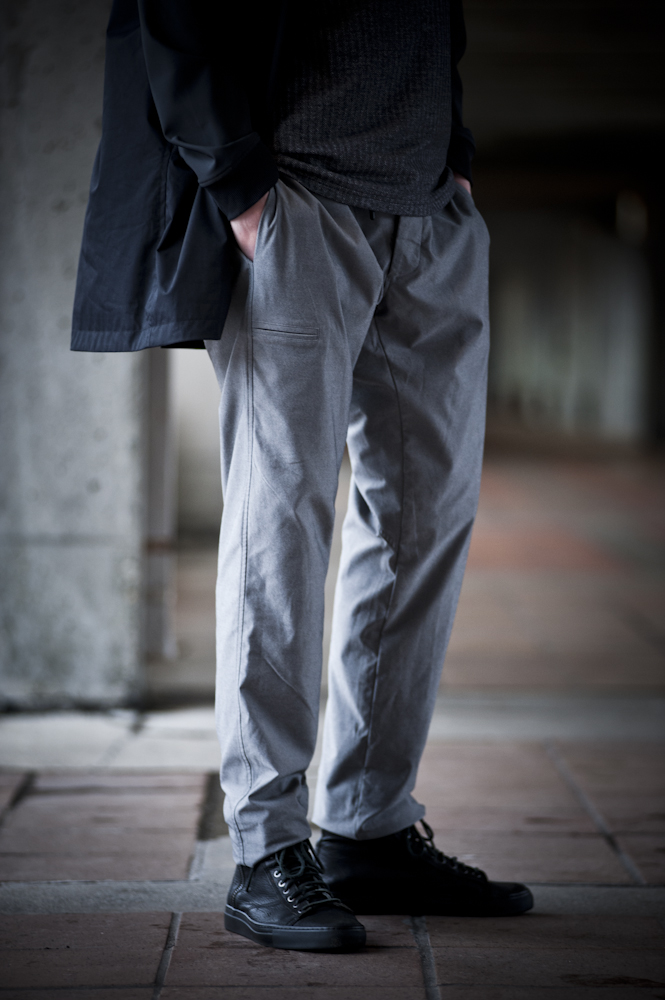 Twill cargo pant with drawsting waistband