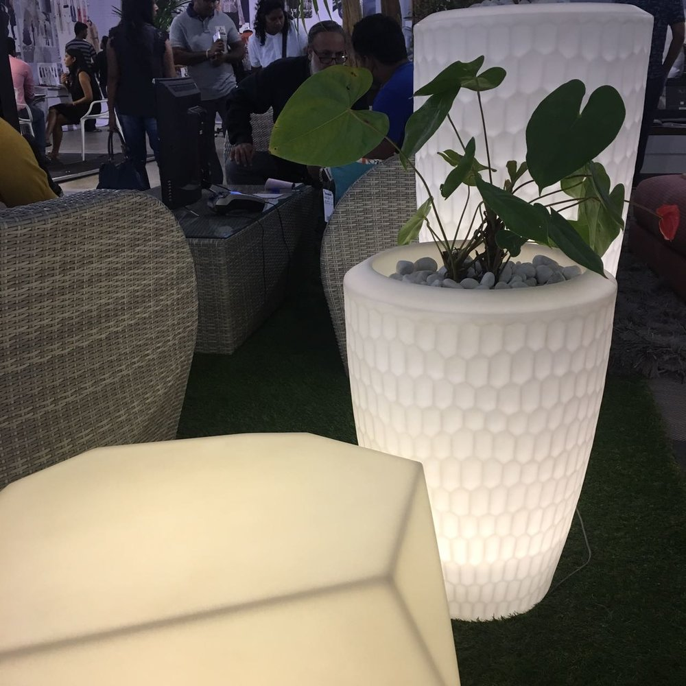 Sereno illuminated planters & seating for outdoor and indoor use