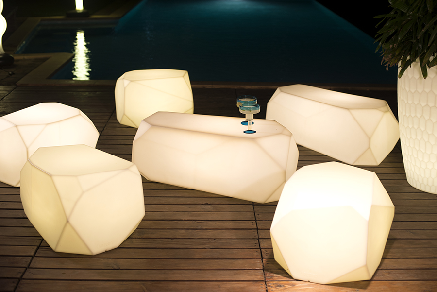 Light up your Christmas, with these illuminated seats & planters guaranteed to transform the exterior of any property.  Create a romantic atmosphere with your partner, or a party atmosphere for New Year's Eve.