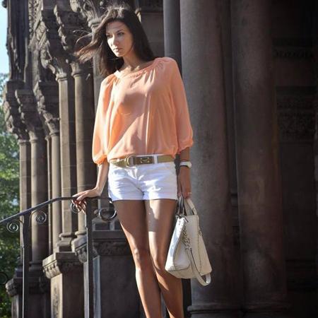 Anastasia T 5'11 size 2-4.jpg
