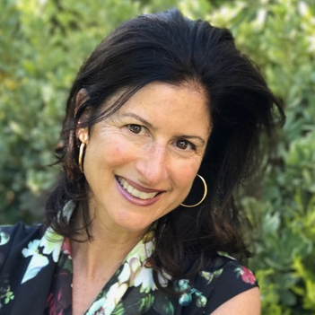 CARI COSTANZO  DYS F17 Facilitator  Cari is a Cultural Anthropologist   and Academic Director for Undergraduate Advising & Research at Stanford.