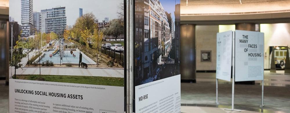 GTA HOUSING ACTION LAB Le Housing Action Lab de la région du Grand Toronto est un groupe de travail intersectoriel composé de 60 organisations provenant des secteurs gouvernemental, privé, à but non lucratif et universitaire. Celles-ci se sont réunies pour créer des programmes et des politiques en appui aux logements abordables, un système de logement plus durable par l'augmentation du financement public de l'intensification, et un cadre stratégique et réglementaire qui favorise la diversité de la forme et du mode d'occupation. Depuis la création du groupe, en 2014, les participants ont défini huit domaines d'intérêt, y compris l'intensification intelligente, l'offre d'incitatifs pour la location d'immeubles construits à cet effet, l'utilisation des actifs immobilisés du logement social, la création d'un partenariat avec le secteur privé pour construire des logements plus abordables, l'augmentation du nombre de programmes de propriété abordable, le programme Tower Renewal ainsi que les allocations-logement en fonction du revenu. Le Housing Action Lab a réalisé de nouvelles études et établi de nouveaux partenariats qui incitent de façon stratégique à modifier le système de logement de la région du Grand Toronto. Il a été organisé conjointement par Evergreen CityWorks et Natural Step, titulaire de subvention de la Fondation. Crédit photo:Nick Kozak
