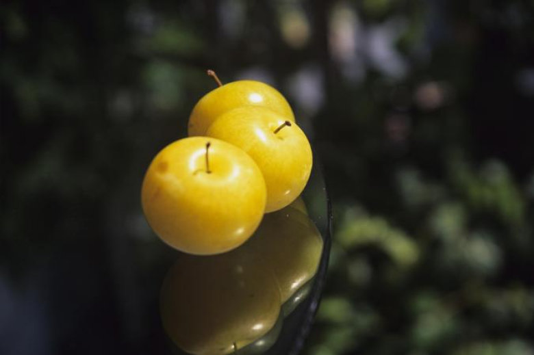 3 Yellow Plums
