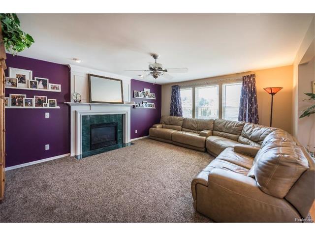 6439 Oakbrook Drive, Ypsilanti Twp - Family Room