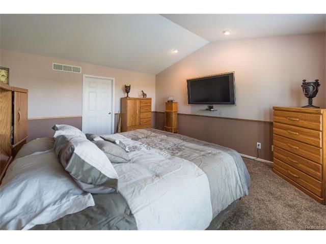 6439 Oakbrook Drive, Ypsilanti Twp - Bedroom
