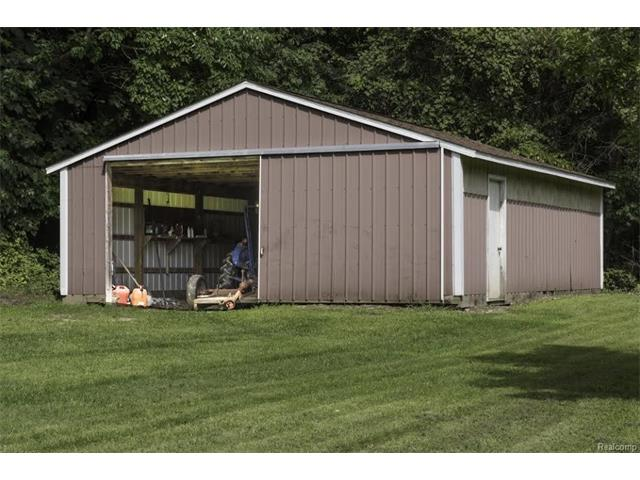 6520 CROFOOT Road, Iosco Twp 48843 - Pole Barn