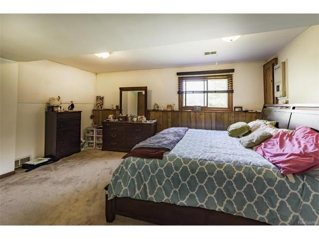 6520 CROFOOT Road, Iosco Twp 48843 - Master Bedroom