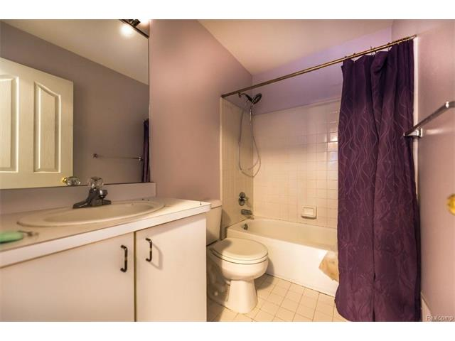 5397 Michael Drive, Ypsilanti Twp 48197 - Bathroom 3
