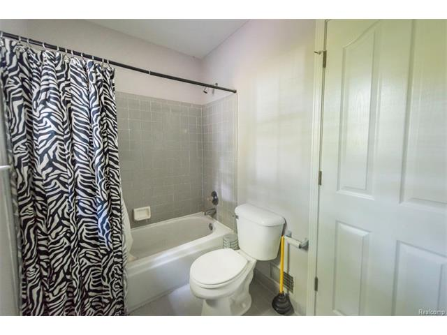 5397 Michael Drive, Ypsilanti Twp 48197 - Bathroom 2