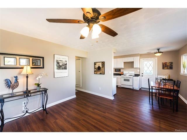 1342 Jeff Street, Ypsilanti 48198 - Family Room