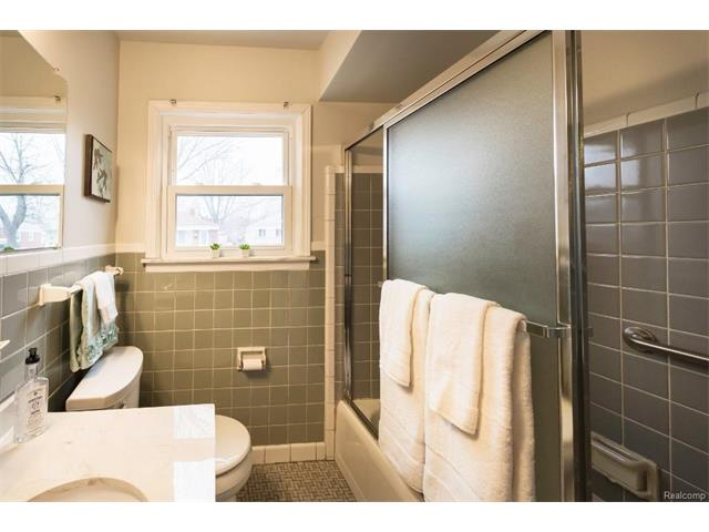 Bathroom 3 - 4371 Myron Avenue, Wayne 48184