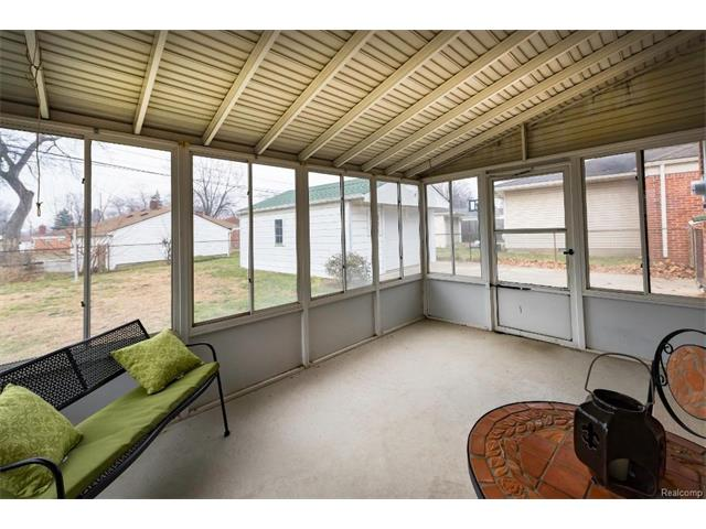 Sunroom - 4371 Myron Avenue, Wayne 48184