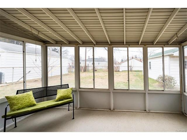 Sunroom 2 - 4371 Myron Avenue, Wayne 48184