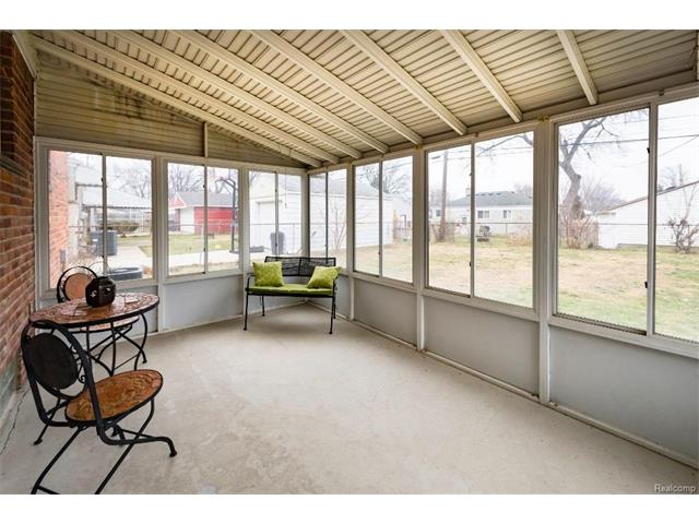 Sunroom 3 - 4371 Myron Avenue, Wayne 48184