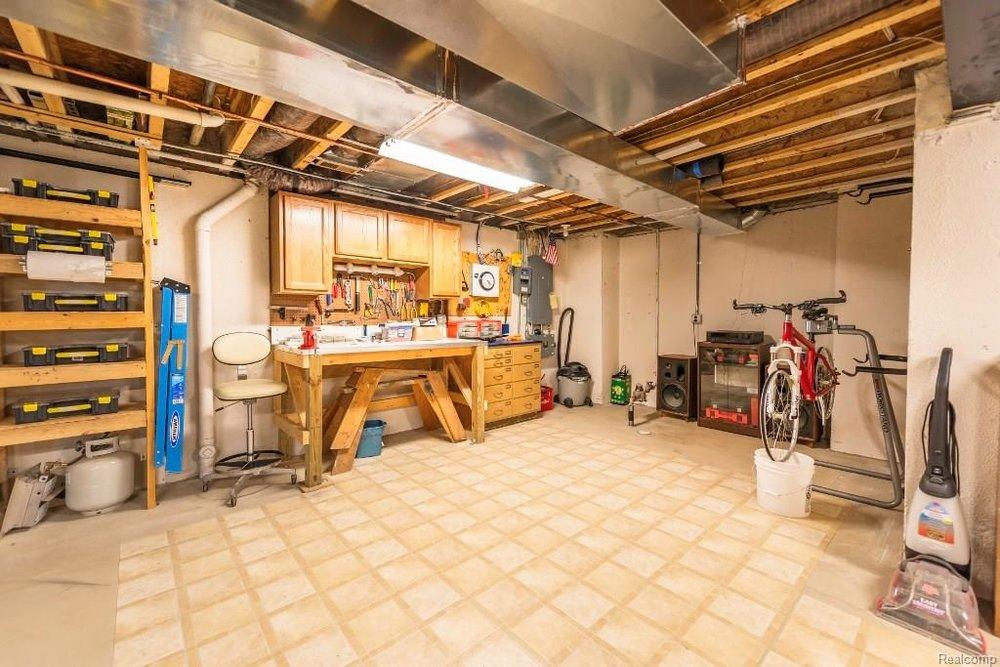 Garage - 9252 CHAMBORD Drive, Augusta Twp 48197