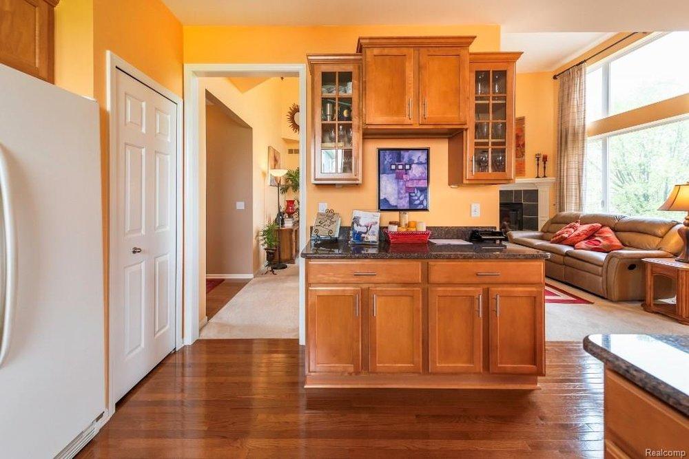 Kitchen - 9252 CHAMBORD Drive, Augusta Twp 48197