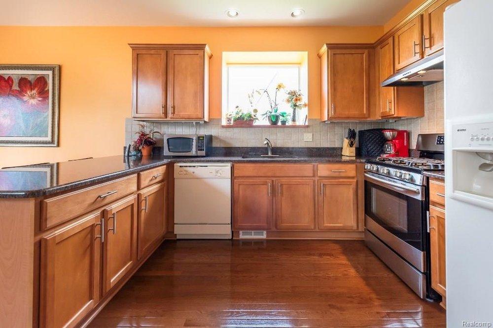 Kitchen 2 - 9252 CHAMBORD Drive, Augusta Twp 48197