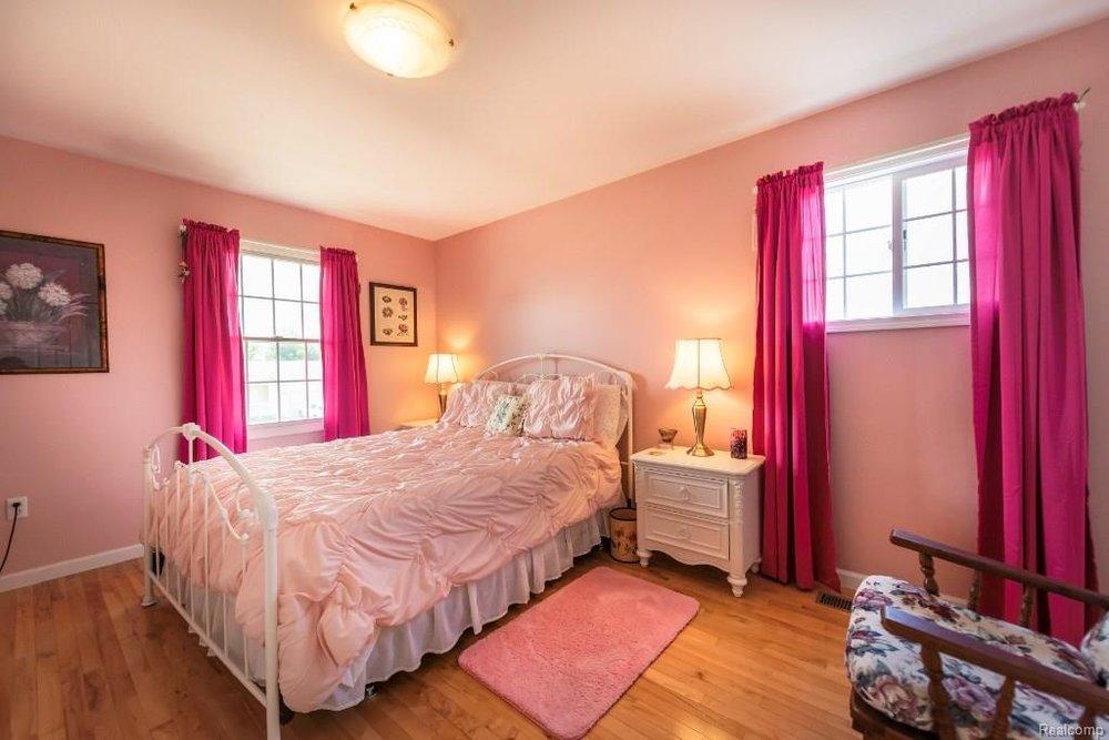 Kids Room - 341 ANN MARIE Drive