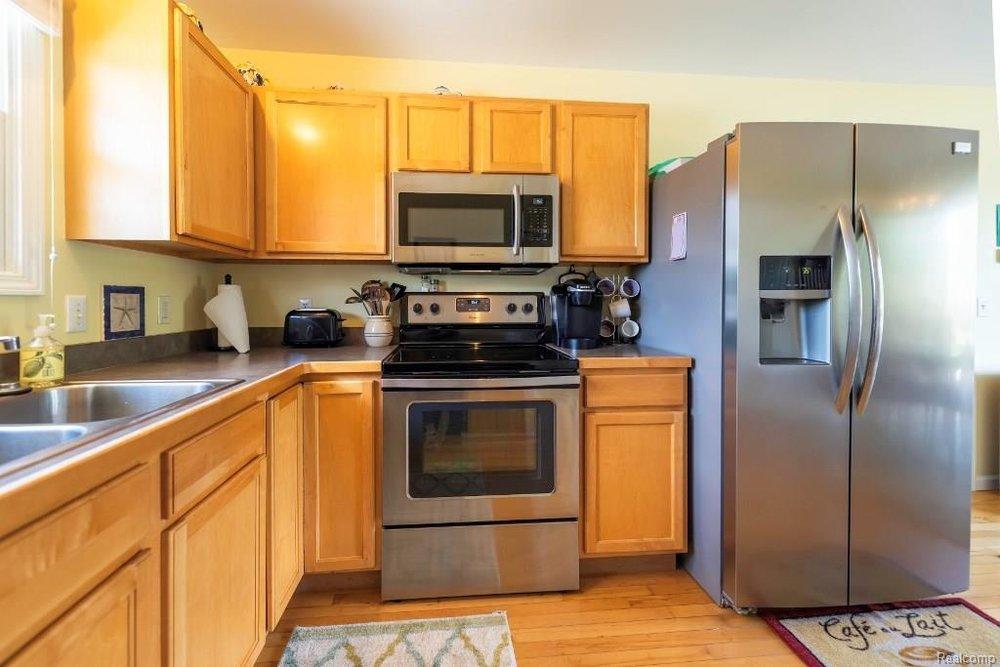 Large Kitchen - 341 ANN MARIE Drive